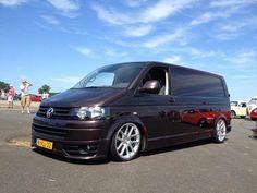 Volkswagen Transporter Vw T5 Caravelle, Vw Transporter Van, T5 Camper, High Performance Cars, Cool Vans, Vw Cars, Volkswagen Bus, T 4, Custom Cars