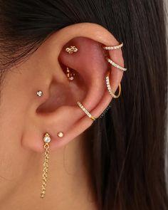 Rook Piercing Jewelry, Conch Jewelry, Rook Earring, Tragus Earrings, Ear Jewelry, Gold Jewellery, Ear Piercings Chart, Pretty Ear Piercings, Ear Peircings