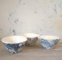 Twist bowl sml blue flower transfer