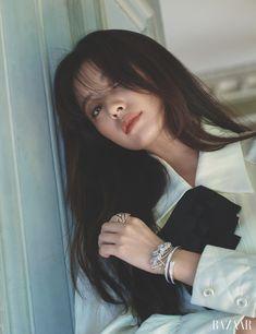 Han Hyo Joo Covers September 2018 Harper's Bazaar Korean Actresses, Korean Actors, Actors & Actresses, Korean Women, Korean Girl, Asian Girl, Suzy, Divas, Bh Entertainment