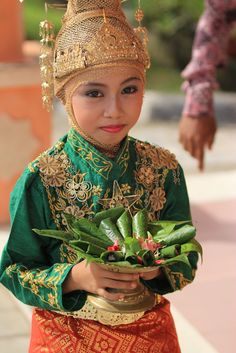 That means welcome to Aceh Indonesia Maid Of Honour Dresses, Maid Of Honor, We Are The World, People Around The World, Folk Costume, Costumes, Vietnam Costume, Joko, Thinking Day