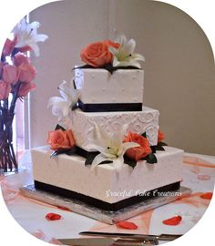 Elegant Square Wedding Cakes | Elegant Black and White Square Wedding Cake