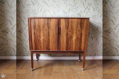 Div äldre möbler sideboard bord stolar spegel   Göteborg