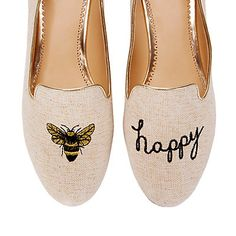 """Do we really need to say anything else? We're obsessed with our """"Bee Happy"""" smoking slipper!"""