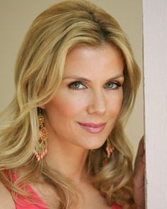 Katherine Kelly Lang (Brooke Logan) - B&B Katherine Kelly, Bold And The Beautiful, Beautiful People, Most Beautiful, Beautiful Ladies, Hey Gorgeous, Beautiful Eyes, Soap Opera Stars, Soap Stars