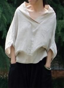 "Nice sort of ""peasant look"" blouse. - Great linen shirt by Oupoooe Mode Style, Style Me, Diy Vetement, Fashion Details, Fashion Design, Casual Styles, Mode Inspiration, Beautiful Dresses, Ideias Fashion"