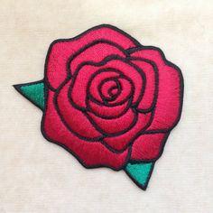 Rose fleur fer sur Patch Red par PatchForestShop sur Etsy