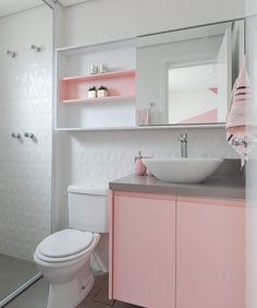 Pink Bathroom: + 77 Inspirations for You to Innovate the Environment - Lilly is Love Pink Bathroom Decor, White Bathroom, Small Bathroom, Boho Bathroom, Modern Bathroom, Master Bathroom, Dream Home Design, Home Design Decor, Bathroom Interior Design