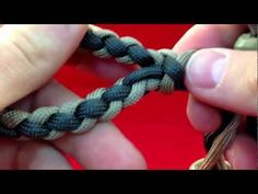 Paracordist How to Make a Four Strand Round Braid Loop - w/ 4 strands out - YouTube
