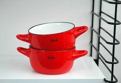 Bowl   ceramic enamel-look   scarlet red #cabanaz #capventure #dutchdesign #product #soupbowl #bowl #ceramic #enamellook