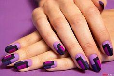 purple graphic print | nail art