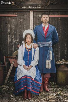 Costumes from the region of Warmia, Poland.Photo © Radosław Niemczynowicz via ZTL Perła Warmii.