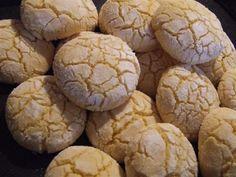 Fursecuri Maroc Roll Cookies, Biscuit Cookies, Cookie Bars, Romanian Desserts, Romanian Food, Cookie Recipes, Dessert Recipes, Sweet Pastries, Food Cakes