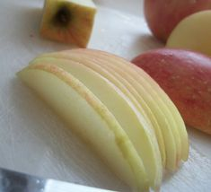 Adventures in Homesteading: Simple Fruit Dehydration - The Coupon Project Healthy Snacks, Healthy Recipes, Skinny Recipes, Delicious Recipes, Tea Recipes, Recipies, Long Term Food Storage, Good Food, Yummy Food