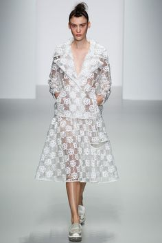 Simone Rocha Spring 2014 Ready-to-Wear - Collection - Gallery - Style.com