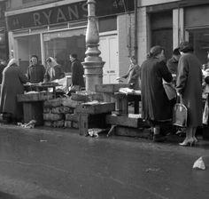 Moore Street, Dublin Old Pictures, Old Photos, Dublin City, Irish Celtic, A Whole New World, Dublin Ireland, Old City, Book Of Life, Historical Photos