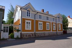 Neristan - Kokkola Colorful Houses, Scandinavian Countries, Wooden Houses, Home Fashion, House Colors, Finland, Cottages, Facade, Beautiful Homes