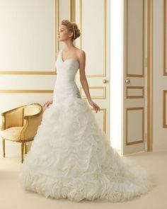 183 TRISTAN / Wedding Dresses / 2013 Collection / Luna Novias