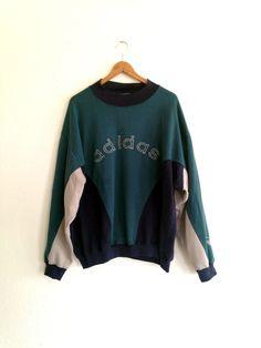 Vintage ADIDAS Men's Crewneck Sweater von worncloth auf Etsy https://www.etsy.com/de/listing/219898073/vintage-adidas-mens-crewneck-sweater