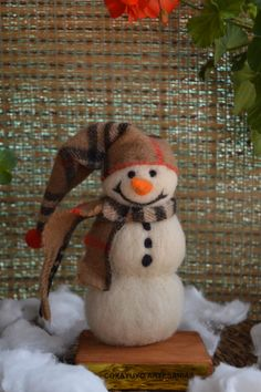 Felted snowman by CoxayuyoArtesanias on Etsy