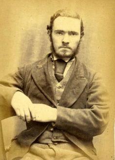Toutes les personnes présentes sur ces photos ont été arrêtées et condamnées à Newcastle en Angleterre entre 1872 et 1873. Les portraits sont moins beaux que ceux réalisés quelques années après en Australie mais il est intéressant de voir les larcins et les peines correspondantes à l'époque. Ces images viennent duTyne and Wear Archives and …