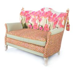 Tulip Loveseat---and Tulip Chair---and Tulip Ottoman---and a screened in porch to hold it all :) Funky Furniture, Home Furniture, Furniture Design, Tulip Chair, Interior Decorating, Interior Design, Decorating Ideas, Sofa Chair, Furniture Collection