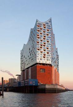 Herzog & De Meuron | Elbphilharmonie Concert Hall | Hamburg, Germany | 2017 | http://www.herzogdemeuron.com/index.html