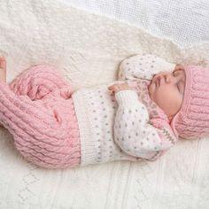 Katalog 1305 Viking baby ill-alpaca fine og pure milk - Lille Blå AS Knitting For Kids, Baby Knitting Patterns, Baby Patterns, Hand Knitting, Viking Baby, Viking Designs, Baby Barn, Tartan Pattern, Baby Set