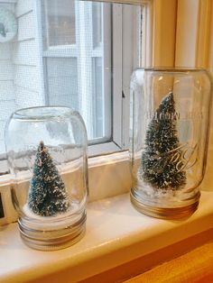 Cute mason jars turned into waterless snow globes like those at Anthropologie!  Kids and I did this fun project in just a couple of hours using only ornaments, jars, glue, and some fake snow. We loved it - we plan on making more and filling the mantle with these this holiday season!