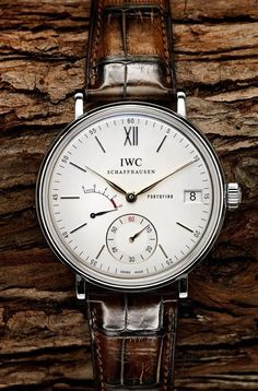 Stylish Watches, Luxury Watches, Cool Watches, Watches For Men, Gentleman Watch, Iwc Watches, Seiko Diver, Patek Philippe, Beautiful Watches