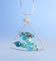 How to Make Triangle or Triangular Jewelry Tutorials ~ The Beading Gem's Journal