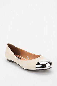 metal cap toe shoes