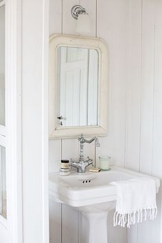 All white cottage bathroom Cottage Bath, White Cottage, White Farmhouse, Rose Cottage, Laundry In Bathroom, White Bathroom, Baby Bathroom, Bathroom Taps, Simple Bathroom