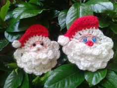 Crochet Santa Face Applique Free Patterns - Her Crochet Crochet Christmas Decorations, Crochet Decoration, Crochet Christmas Ornaments, Christmas Crochet Patterns, Holiday Crochet, Santa Ornaments, Christmas Crafts, Christmas Knitting, Crochet Summer