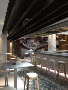Nos encanta la reforma de El Campero Restaurante con esas baldosas hidráulicas que tanto nos enamoran. #cerámica #hidráulico #suelos