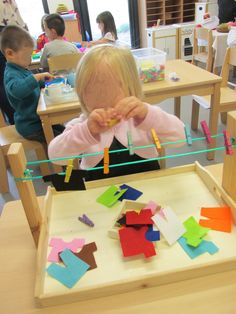 10 homemade Montessori activities for 2 to 3 years – Remy – education – Tagespflege – preschool Montessori Materials, Montessori Activities, Infant Activities, Activities For Kids, Montessori Toddler, Montessori Kindergarten, Montessori Education, Maria Montessori, Young Toddler Activities