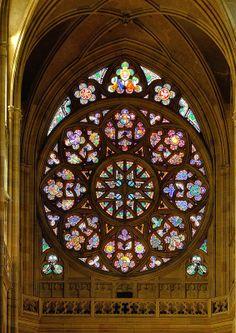 Prague : St. Vitus Cathedral / Katedrála svatého Víta / Rose window - 3/10