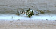 Vintage 18K White Gold Green Sapphire and Diamond by GoldAdore #etsyjewelry #etsyvintage #goldadore