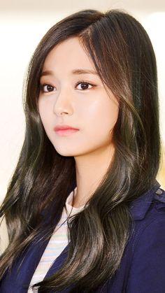 TWICE Stylish Girls Photos, Girl Photos, Cute Woman, Pretty Woman, Korean Beauty, Asian Beauty, Twice Tzuyu, Prity Girl, Le Jolie