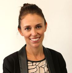 Poll finds difference between what male and female voters think of Jacinda Ardern Brave, Female Images, Female Characters, Role Models, Character Inspiration, Singer, Actresses, Celebrities, Style Ideas