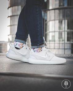 Cheap Nike Roshe Two Flyknit Men 's Shoe. Cheap Nike PT