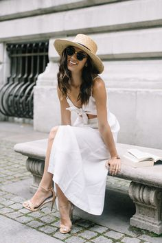 Summer | White dress | Nude pumps | More on Fashionchick.nl