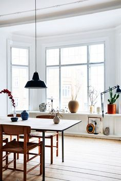 A light and airy dining room inspiration #happyhome