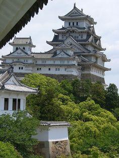 Himeji Castle, Hyogo, Japan. Conoce más sobre impresionantes castillos en el blog de www.solerplanet.com