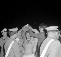 Sandro Mazzola with fans, after winning Euros 1968.