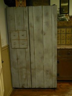 Furniture Donation Pick Up Denver Product Refrigerator Makeover, Refrigerator Covers, Rustic Country Kitchens, Rustic Kitchen, Primitive Furniture, Kitchen Furniture, Primitive Decor, Colonial Kitchen, Rustic Crafts