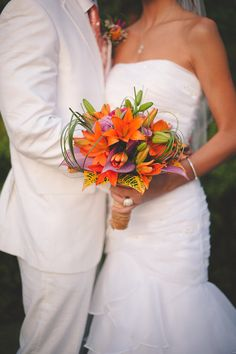 Tropical orange bridal bouquet | Bit of Ivory Photography | see more on: http://burnettsboards.com/2014/11/destination-wedding-saint-lucia/