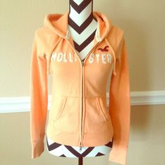 Hollister Hoodie Ask questions! 🚫No trades  🚫No Pay Pal ✅Bundles  ✅Negotiate/offers  🚭Smoke free  🐶Pet free Hollister Tops Sweatshirts & Hoodies