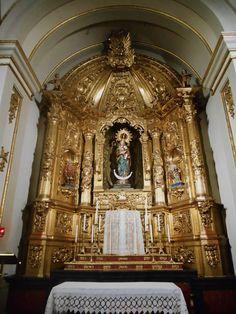 Retablo de la Capilla  de Nuestra Señora del Buen Consejo. Siglo XVIII de Felix Granda.  Es la capilla mas grande y hace la función de parroquia.