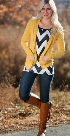 Chevron Top with Mustard Cardigan (I have a mustard cardigan & shoes). Love the bold pattern of the chevron top! Stylish Winter Outfits, Winter Fashion Outfits, Fall Winter Outfits, Casual Outfits, Cute Outfits, Skirt Outfits, Work Outfits, Fashion Clothes, Outfit Work
